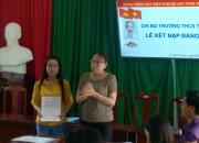Chi bộ Trường THCS Thị Trấn tổ chức lễ kết nạp Đảng viên